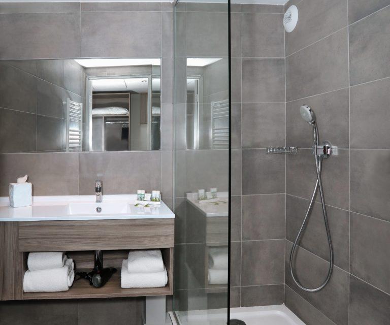 Hôtel Linko - Salle de bain