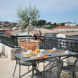 Hôtel Linko - Petit-déjeuner au rooftop