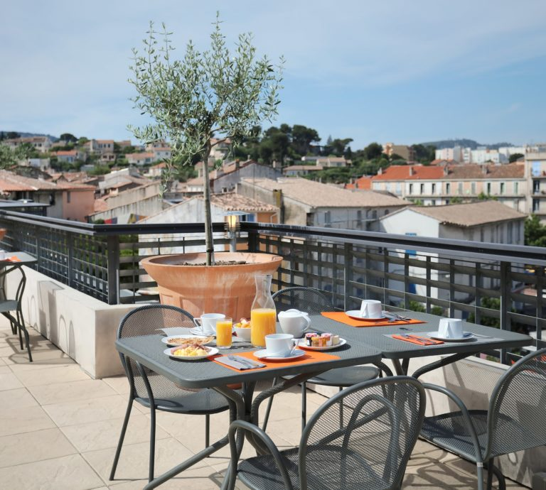 Best Western Linko Hôtel - Petit-déjeuner au rooftop